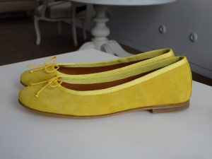 Audrey – Yellow